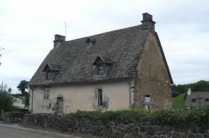 Bourcenac, maison datée 1789.