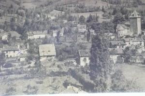 Saint-Simon et ses toits de lauzes disparus, photographie ancienne