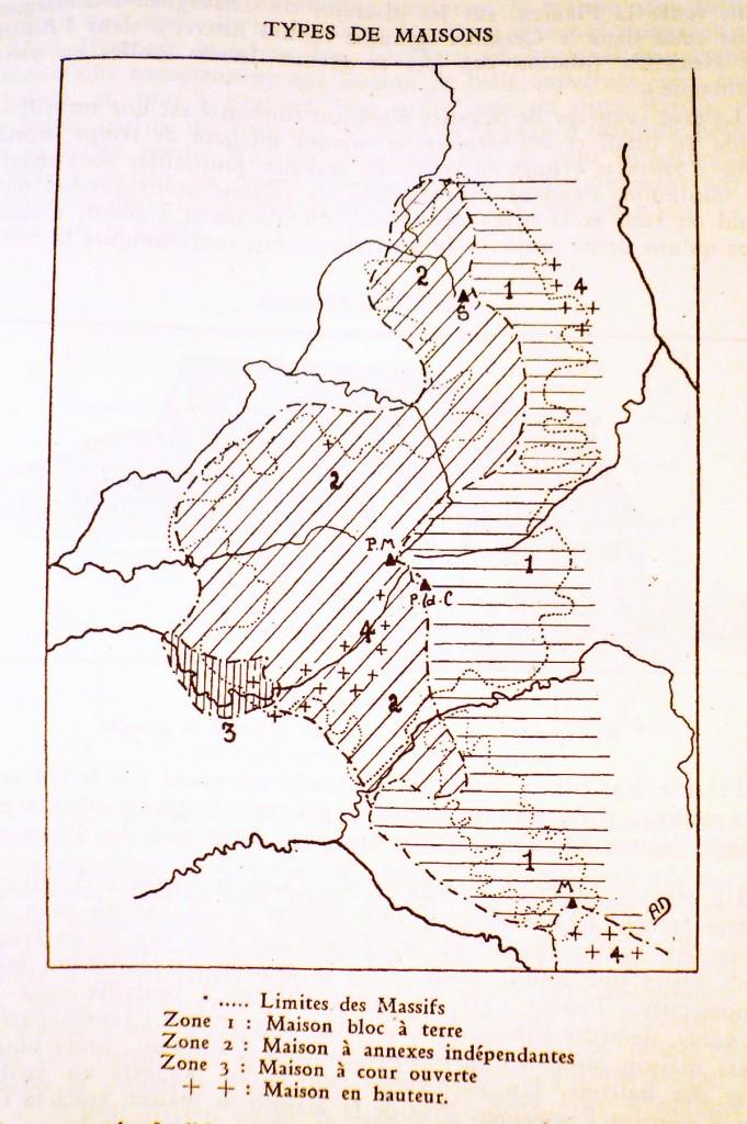 Types de maisons dans les massifs volcaniques (Mont-Dore, Cantal, Aubrac) selon A. Durand, 1946, p.437).