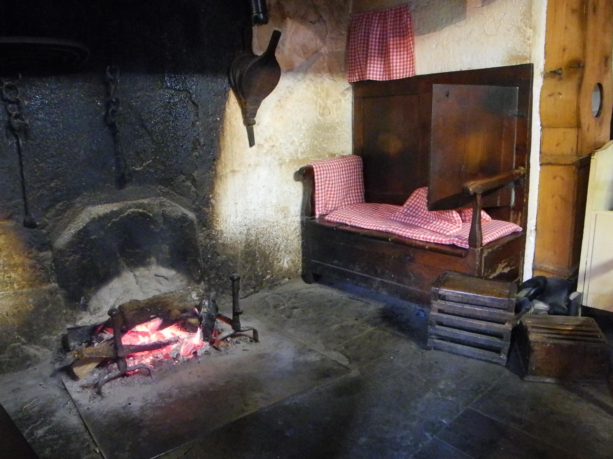 apercu sur lhabitat rural cantalien diversite et types With evier en pierre pour exterieur 16 apercu sur lhabitat rural cantalien diversite et types
